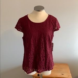 NWT TOP BY LAUNDRY